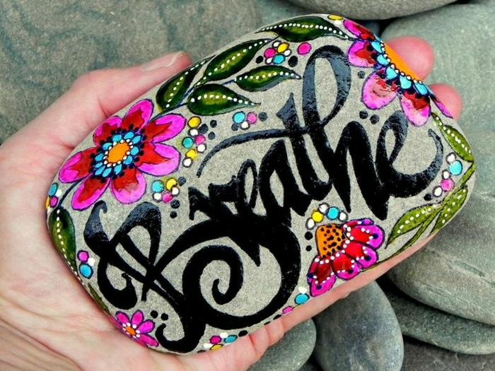 Bemalte Steine Ihre Zeit Für Kreative Beschäftigungen Archzine Net