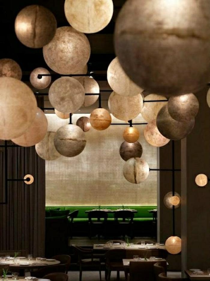 leuchtende-Globen-Lampen-goldene-silberne-Nuancen