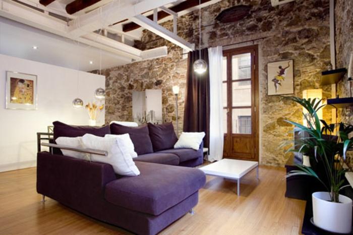 loft-einrichten-lila-modell-vom-sofa