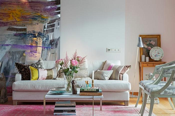 loft-einrichten-weißes-sofa-und-dekokissen