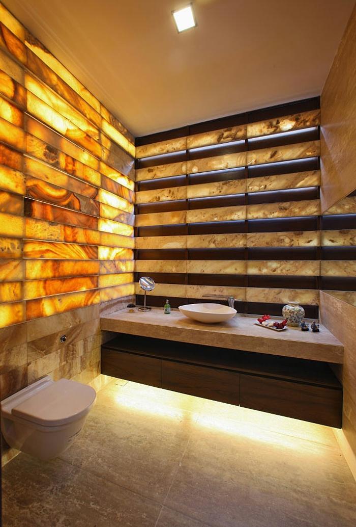 luxus-waschbecken-interessante-akzentwand
