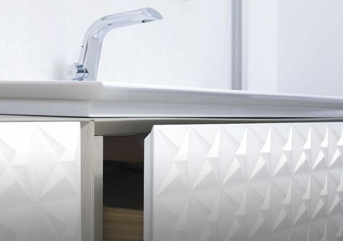 luxus-waschbecken-tolles-weißes-modell