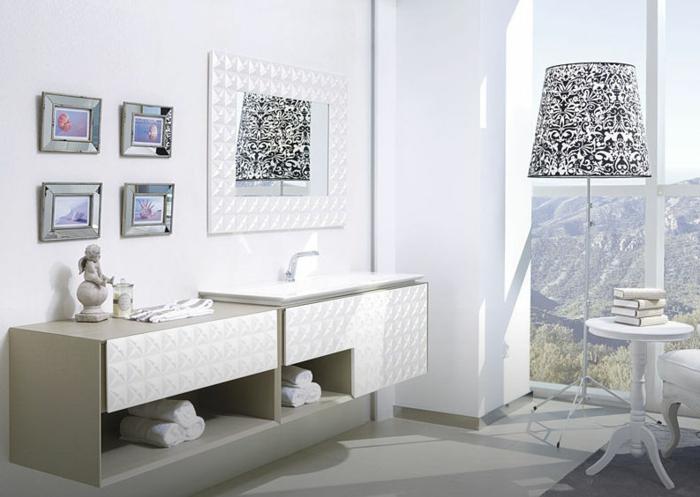 luxus-waschbecken-vier-bilder-an-der-wand