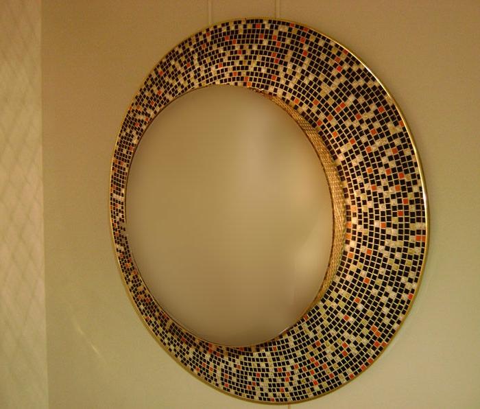 mosaik-spiegel-goldene-farbe