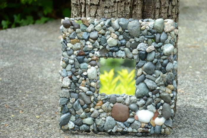 mosaik-spiegel-interessant-gestaltetes-modell