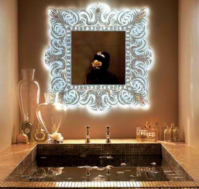 mosaik-spiegel-schöne-gestaltung-badezimmer