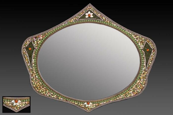 mosaik-spiegel-sehr-kreative-form