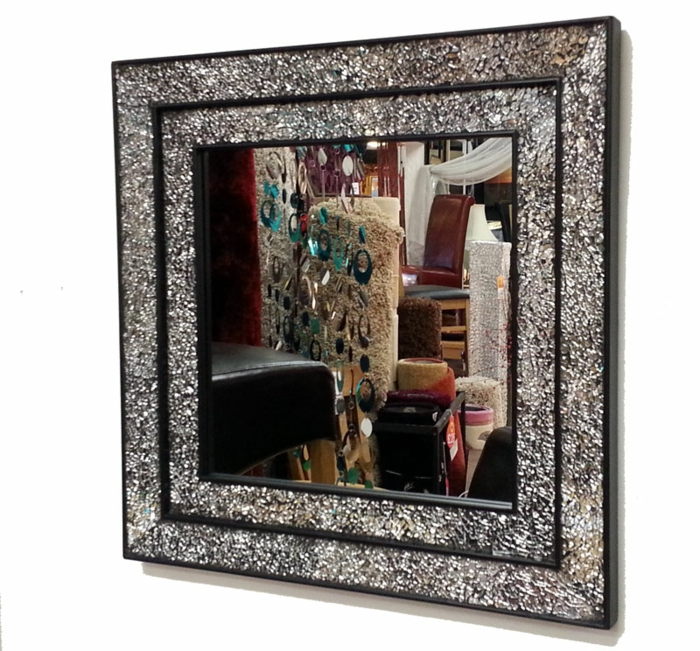 mosaik-spiegel-super-interessantes-modell-quadratisches-design