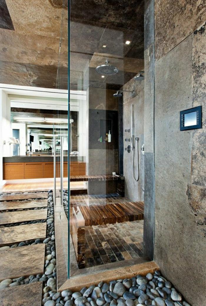 räumliche-Duschkabine-Glas-Steinwände-dekorative-Steine