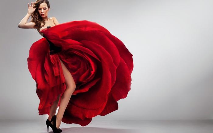 rotes-kleid-wie-eine-rose-aussehen