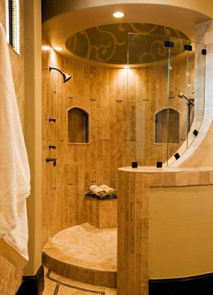 runde-Duschkabine-offen-Glas-Stein-Leuchten-Ornamente
