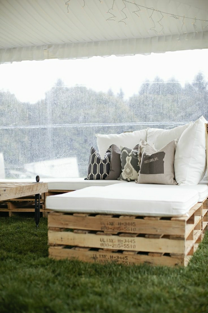 rustikale-Möbel-Garten-Bank-Paletten-Tisch-Holz