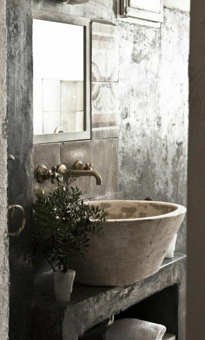 rustikales-Badezimmer-Waschbecken-Stein-Pflanze-Handtuch