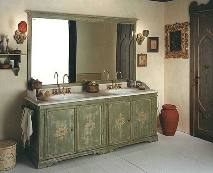 rustikales-Badezimmer-alte-Möbel-rustikal-stilvoll