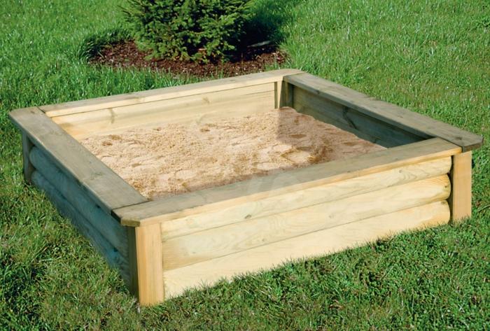 sandkasten-aus-holz-modell-mit-vier-ecken