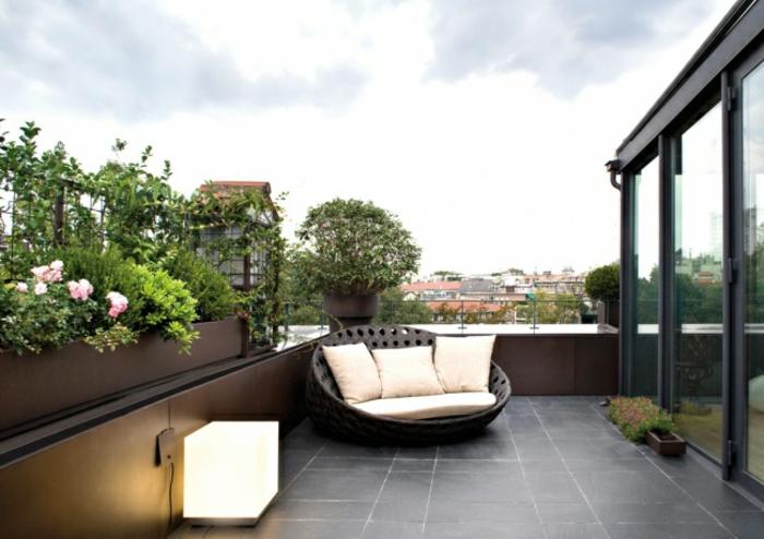 schöne-terrassen-grüne-schöne-büsche