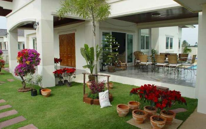 schöne-terrassen-gras-in-grün