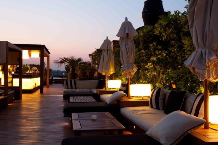 schöne-terrassen-romantisches-schicke-beleuchtung