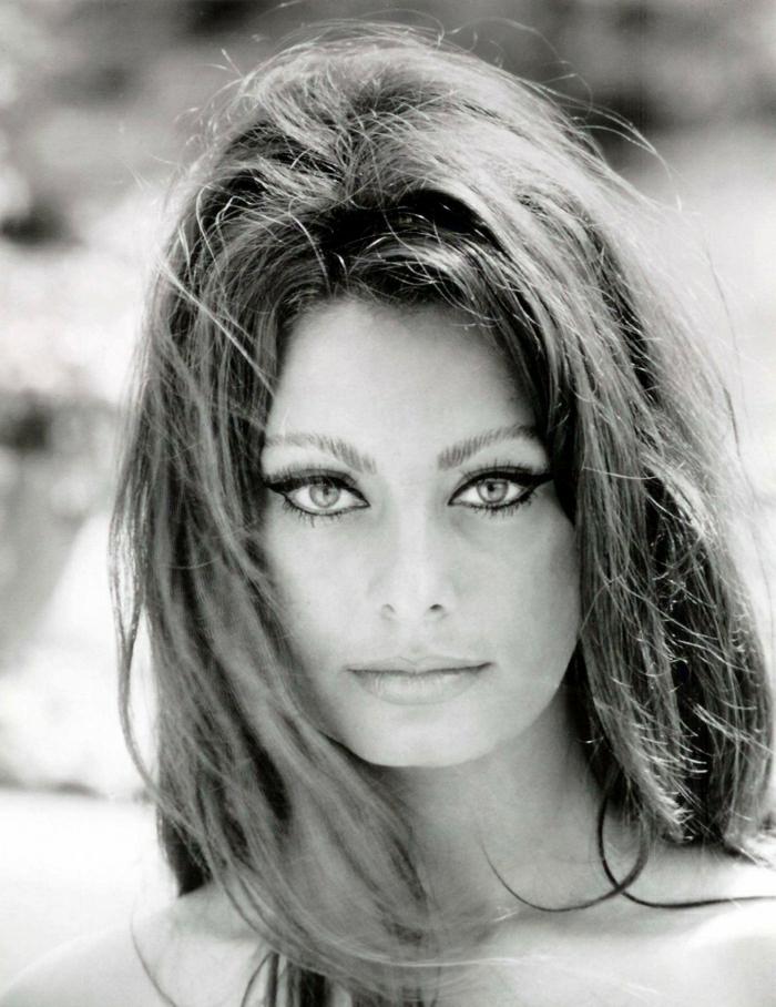schönes-retro-Foto-Hollywood-Schauspielerin-Sophia-Loren