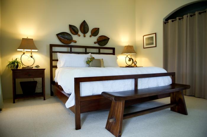 schlafzimmer-bank-romantisches-ambiente-im-schlafzimmer