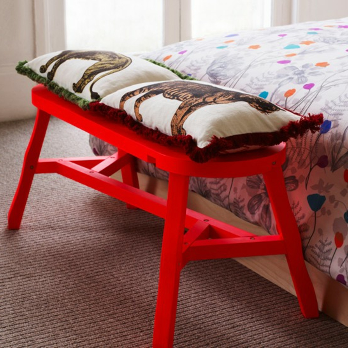 schlafzimmer-bank-rotes-modell