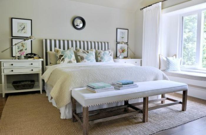 schlafzimmer-bank-weißes-bett-sehr-attraktiv