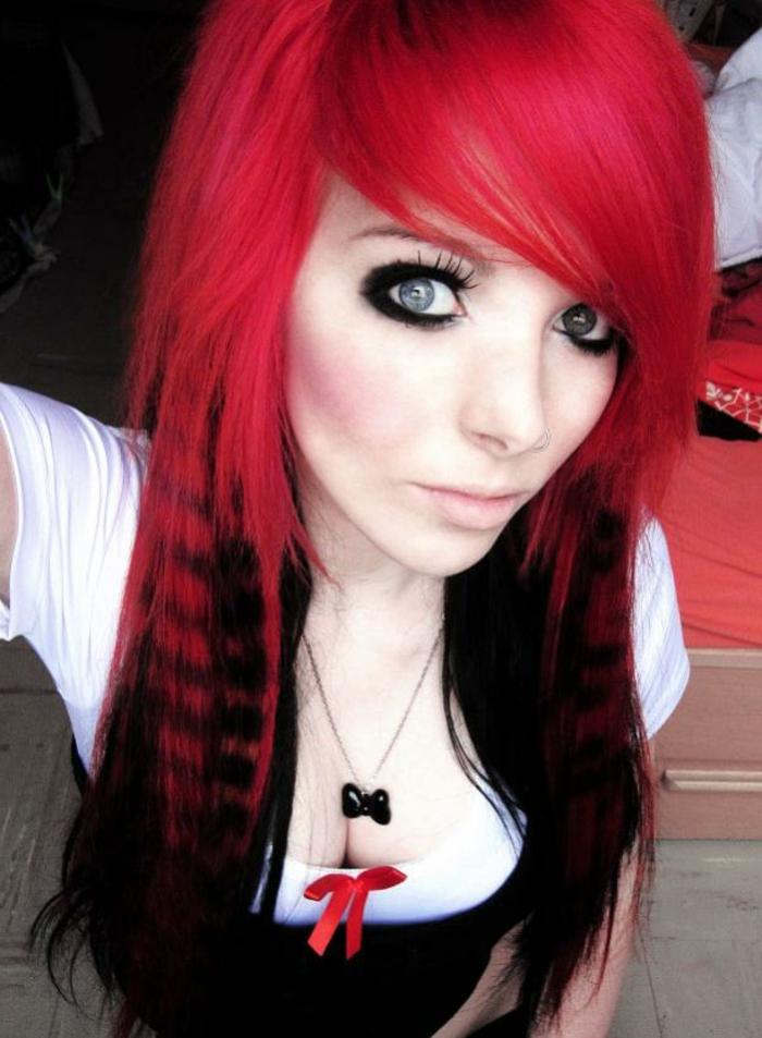 schwarz-<b>rote-haare</b>-akzent-farbe - schwarz-rote-haare-akzent-farbe