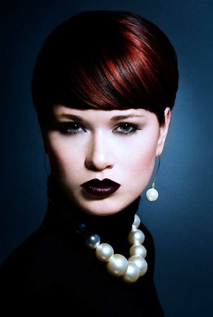 schwarz-rote-haare-attraktives-aussehen