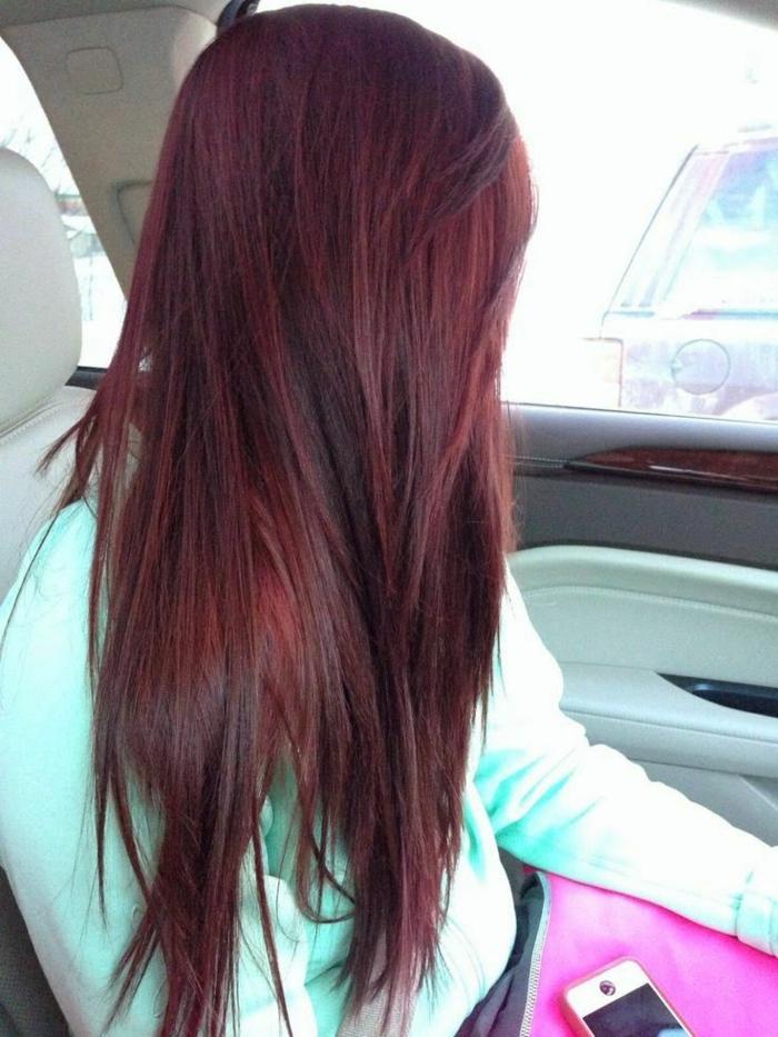 Schwarzrote Haare
