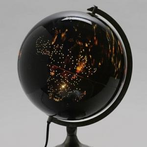 Beleuchteter Globus - das Licht der Kenntnis