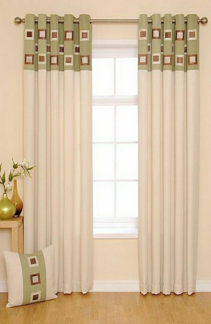 simples-Modell-Vorhänge-beige-grün-braune-Quadraten