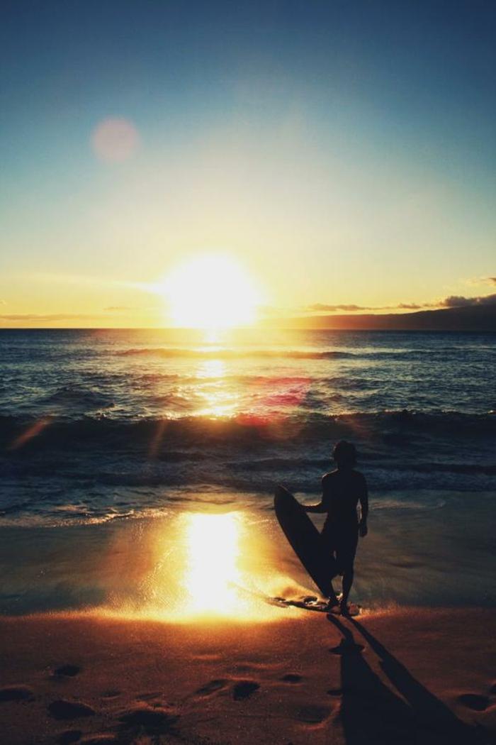 sonne-und-strand-wunderschöner-sonnenuntergang