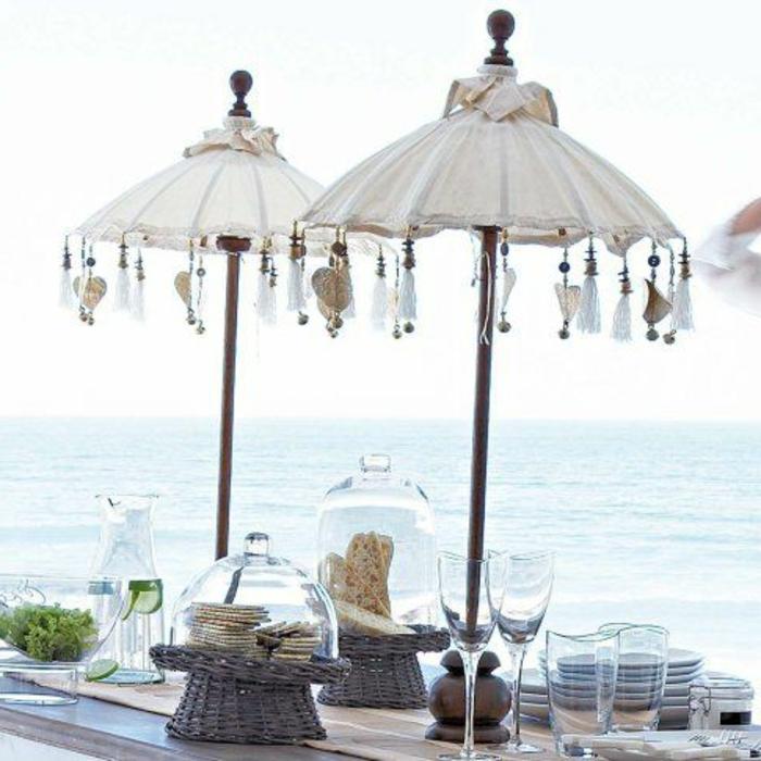 tischdeko-für-sommerpartry-attraktive-sonnenschirme