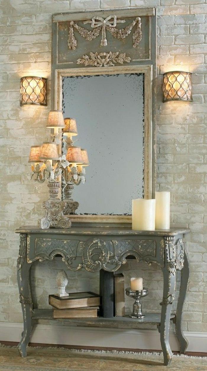 vinbtage-Spiegel-Rahmen-Ornamente-Ziegelwände-Kerzen-Kerzenhalter-Vase-Bücher-Toilettentisch