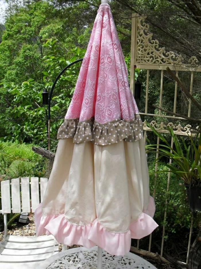 vintage-Textil-Gartenschirm-rosa-braun-beige-Polka-Dots