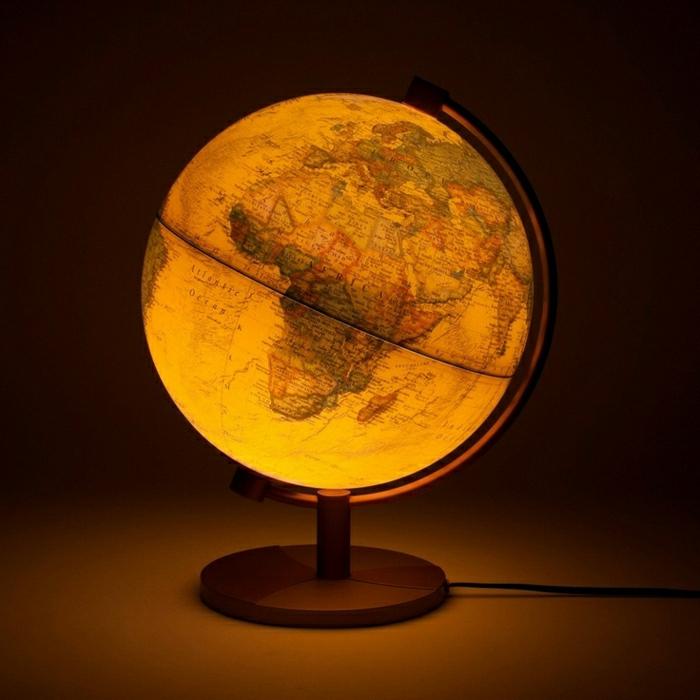 vintage-beleleuchteter-Globus-Lampe