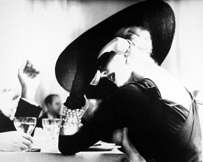 vintage-kleider-artistisches-foto-tolle-frau