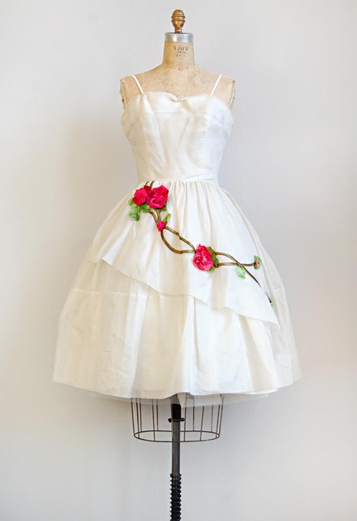 vintage-kleider-brautmodell-herrlich