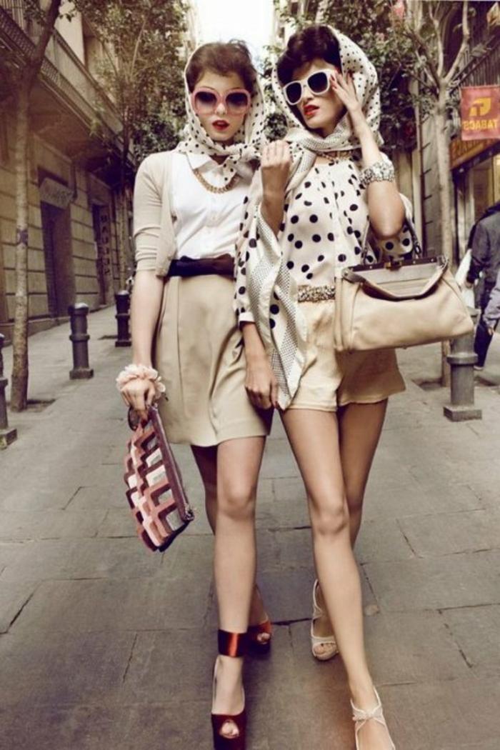 vintage-kleider-zwei-super-süße-frauen