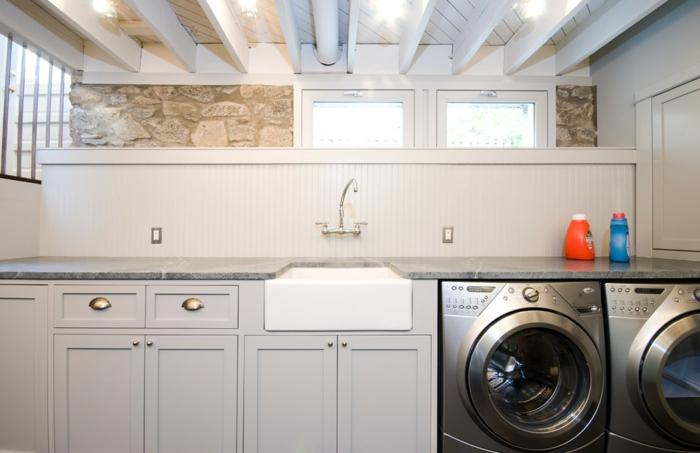 waschbecken-für-waschküche-hölzerne-weiße-schränke