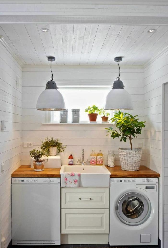 waschbecken-für-waschküche-zwei-hängende-lampen