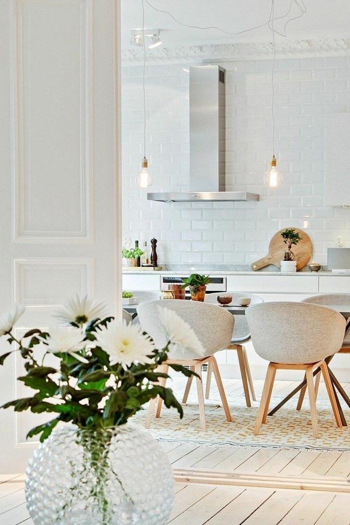 weiße-möbel-elegantes-esszimmer