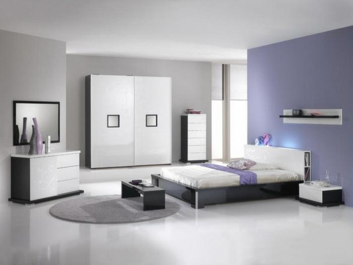weiße-möbel-lila-wände-super-schön
