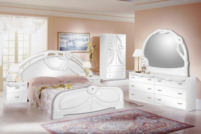 weiße-möbel-romantisches-ambiente-im-schlafzimmer