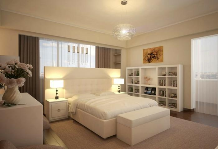 weiße-möbel-schöne-beleuchtung-im-schlafzimmer