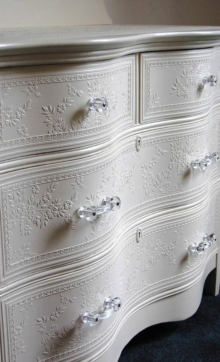 weiße-möbel-schöne-kommode