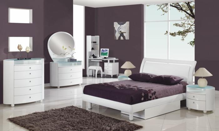 weiße-möbel-sehr-exotisches-schlafzimmer-mit-dunklen-wänden