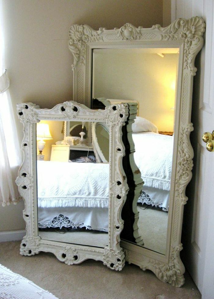 weiße-vintage-Rahmen-Spiegel-Barock-aristokratisch-Schlafzimmer