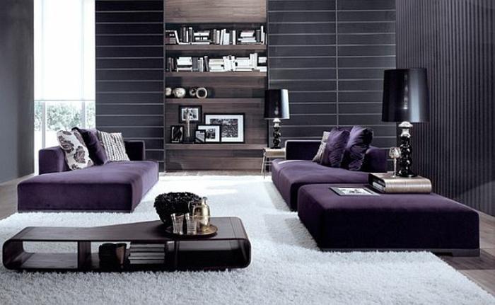 wohnzimmer sofa grau:Graue und lila Farbe kombinieren