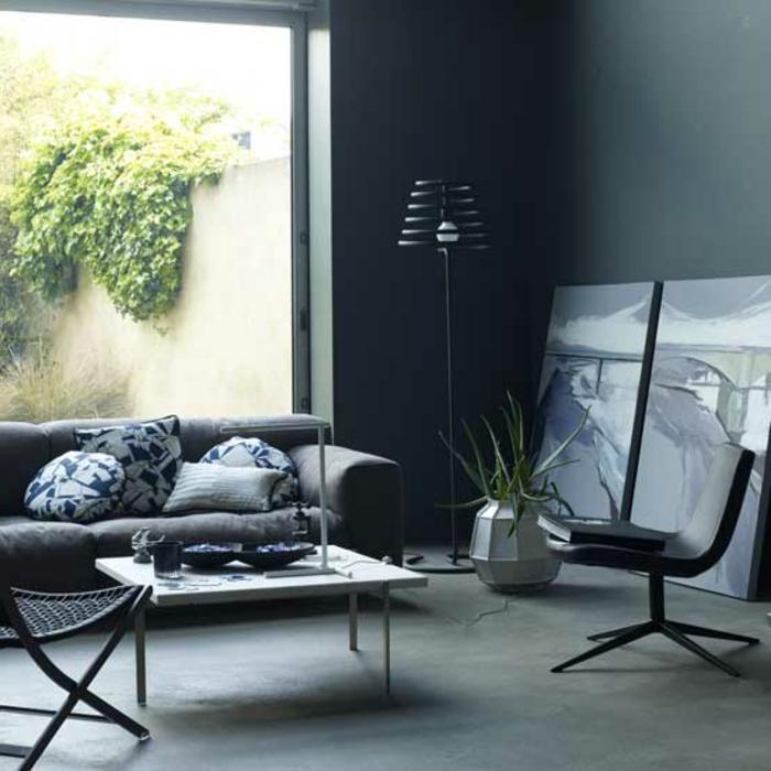 wohnzimmer-in-grau-super-großes-fenster